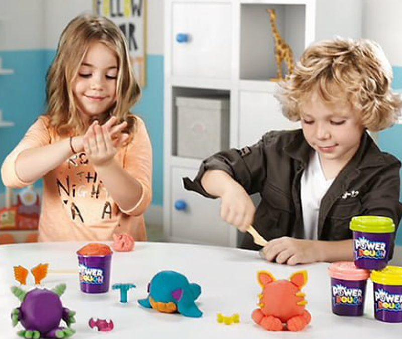 Zabawki kreatywne i plastyczne dla dzieci w każdym wieku